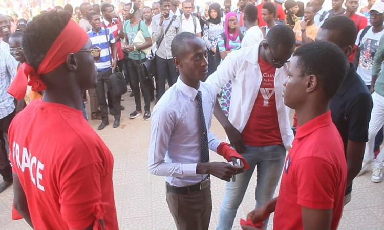 ZIGUINCHOR : Brassards rouges à l'Université Assane Seck, les étudiants lancent un ultimatum à l'Etat